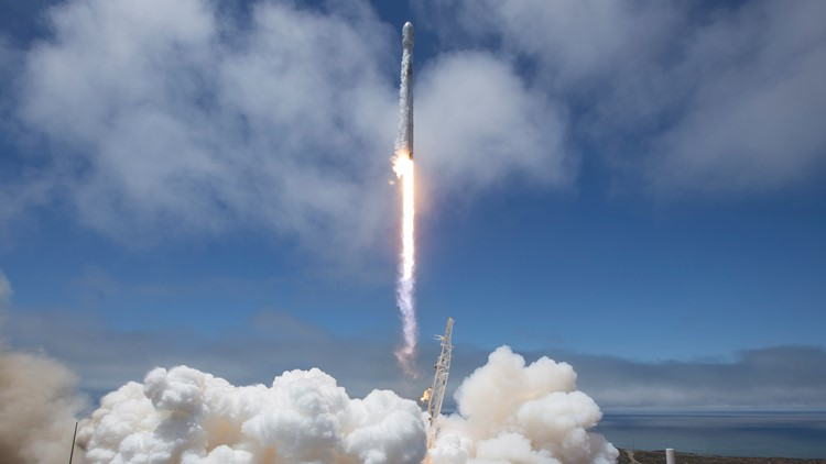 SpaceX rocket launch captivates Californians
