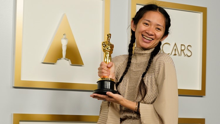 Chloé Zhao makes history, wins best director Oscar for 'Nomadland'