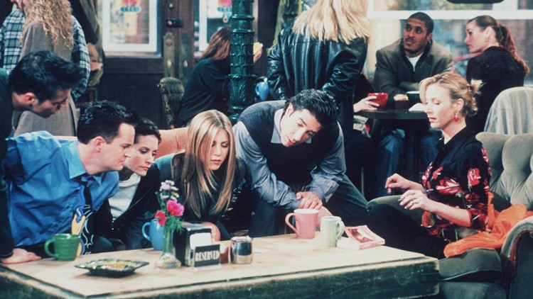 """1999 Matt Le Blanc, Matthew Perry, Courteney Cox, Jennifer Aniston, David Schwimmer, And Lisa Kudrow Star In The Latest Season Of """"Friends."""" (Photo By Getty Images)"""