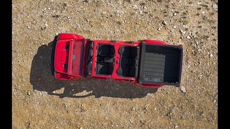 Jeep Gladiator Truck Finally Revealed At La Auto Show Cbs News 8