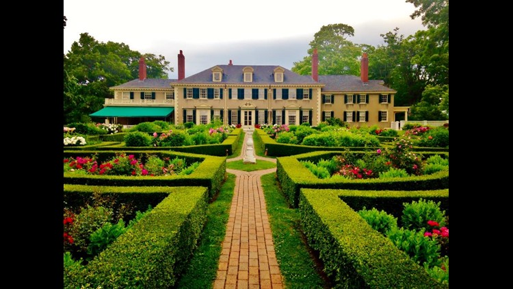 Hildene, the Lincoln Family Home, located in Manchester, Vermont, was home to Robert Lincoln, the eldest son of Abraham Lincoln. Robert Lincoln served as U.S. Secretary of War and ambassador to the United Kingdom.