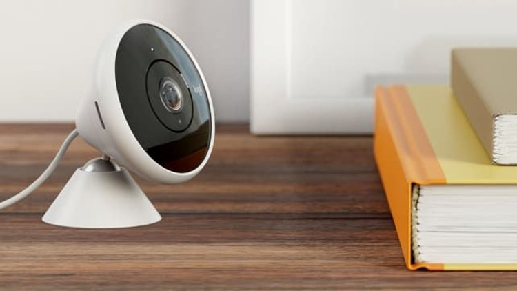 Gifts-for-him-2018-logitech-circle-2-indoor-outdoor-camera.jpg