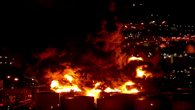 WATCH LIVE: Eight chemical storage tanks burning near Houston