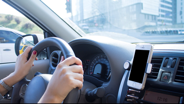 Tennessee Rep. wants to ban talking on hand-held devices while driving