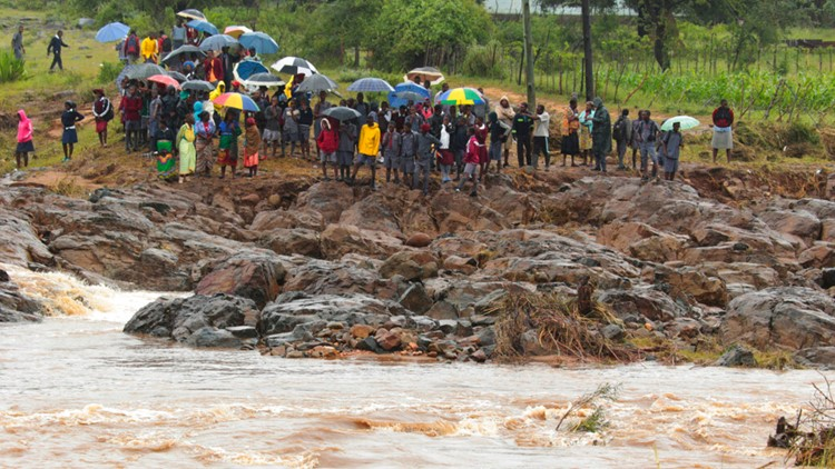 How to help survivors in Mozambique, Malawi and Zimbabwe