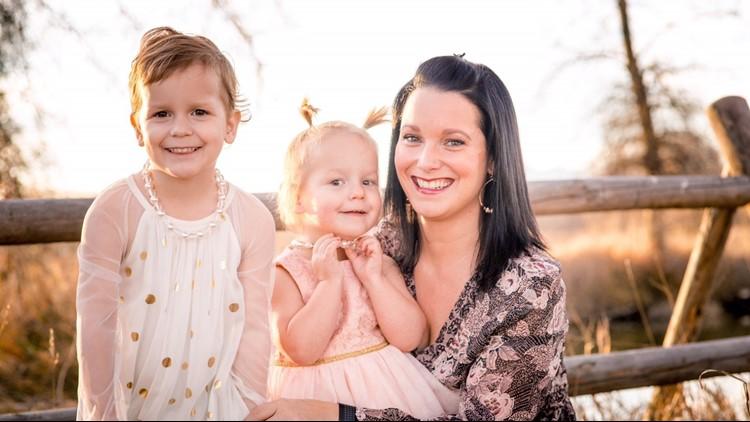 Shanann watts and daughters cropped.jpg_1534516895352.png.jpg