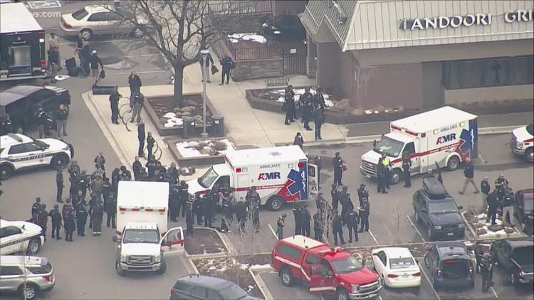 10 muertos, incluyendo un oficial, en el tiroteo en un supermercado de Colorado