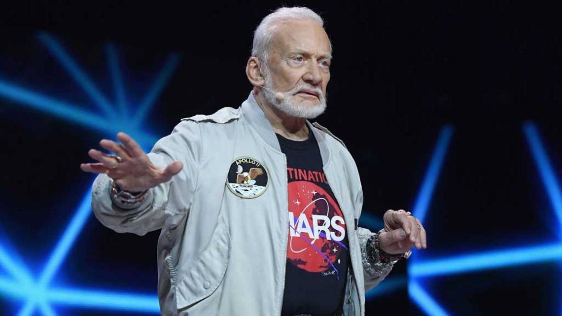 No, Buzz Aldrin did not see an alien on his trip to the moon