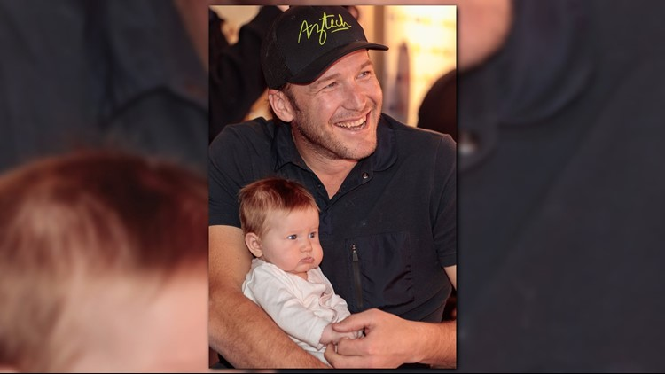 US Ski racer Bode Miller poses for a photograph with his daughter Emma at the Tyrol night during the 2017 FIS Alpine World Ski Championships in Saint Moritz on February 17, 2017. (JOHANN GRODER/AFP/Getty Images)