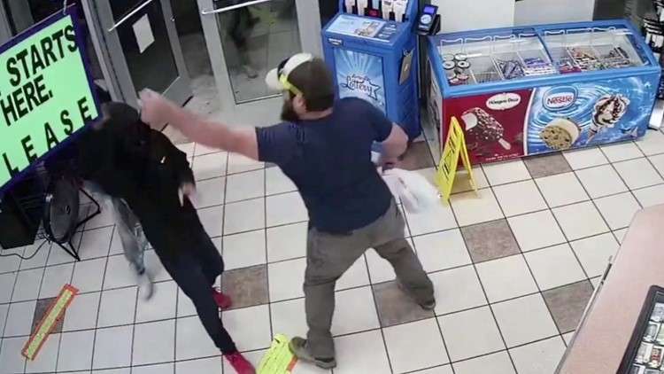 This Is the Incredible Moment an Ex-marine Stops a Gunman at a Convenience Store
