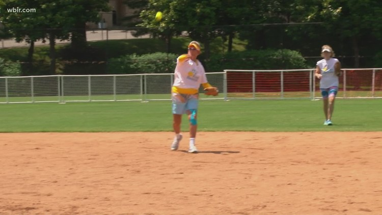 Breast cancer survivors and fighters honored during Knoxville softball tournament