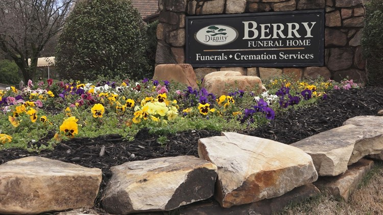Berry Funeral Home sign in South Knoxville