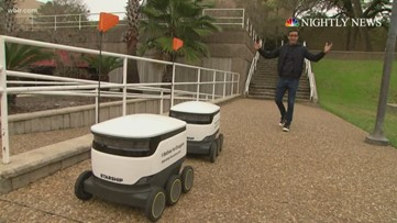 Robots deliver food on one college campus