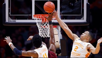 No. 1 Vols win 19th in a row, 85-73 over South Carolina