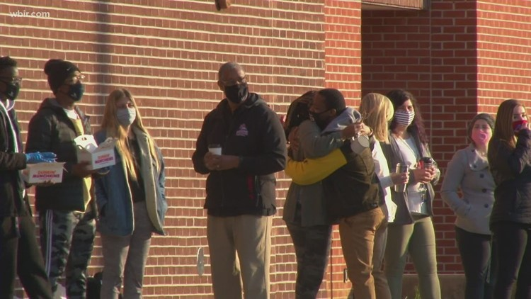 Full, in-person classes resume at Austin-East HS; school will search students and use metal detector wands