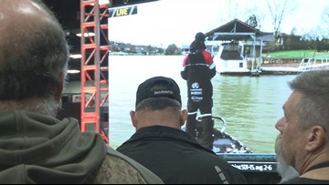 Fishing fans lured in for second day of Bassmaster Classic