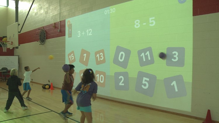 One Lu program combines addition and subtraction with throwing balls