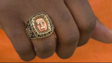 VFL Ron Slay salutes this year's Tennessee basketball team
