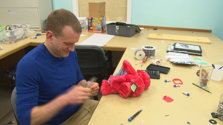 Jedidiah Cuttle adapts an Elmo doll