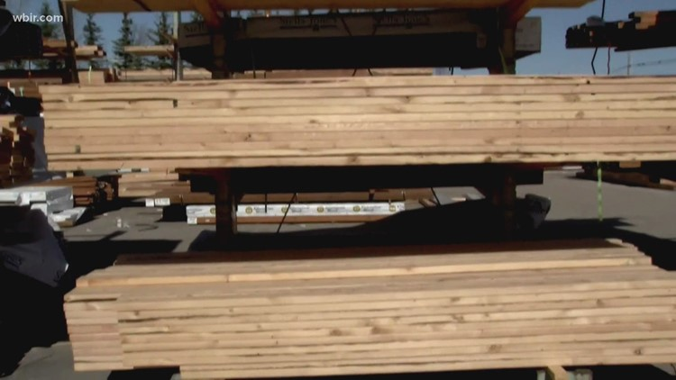 Lumber prices remain at record highs