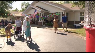 Fundraiser held to support longtime Oak Ridge teacher with dementia