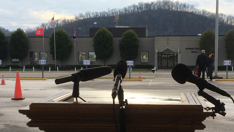 The podium at Riverbend Maximum Security Institution, awaiting the press.