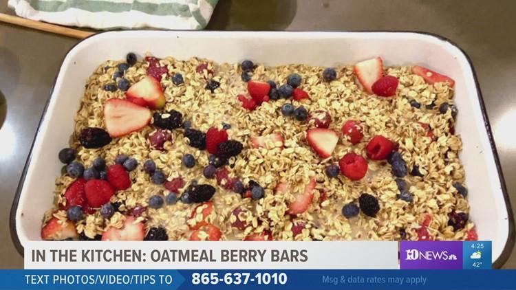 Baked oatmeal berry bars