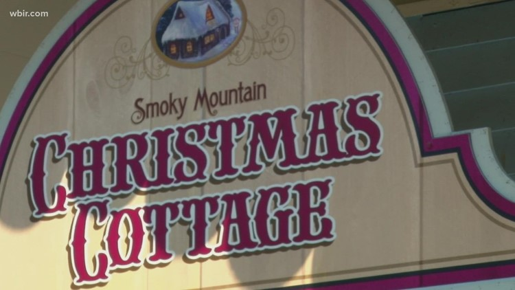 It's beginning to look a lot like Christmas, at least at Dollywood