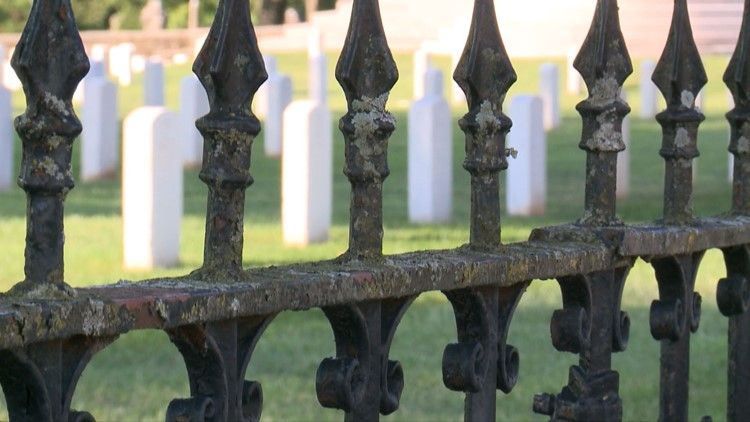 Graves and headstones at the Knoxville National Cemetery