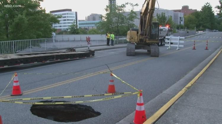 Traffic: Crews working on sinkhole on World's Fair Park Drive