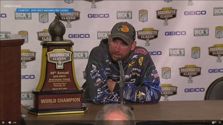 Locals cheer on Knoxville's Ott DeFoe at the 2019 Bassmaster Classic