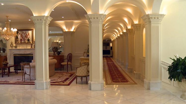 dining hallway villa collina
