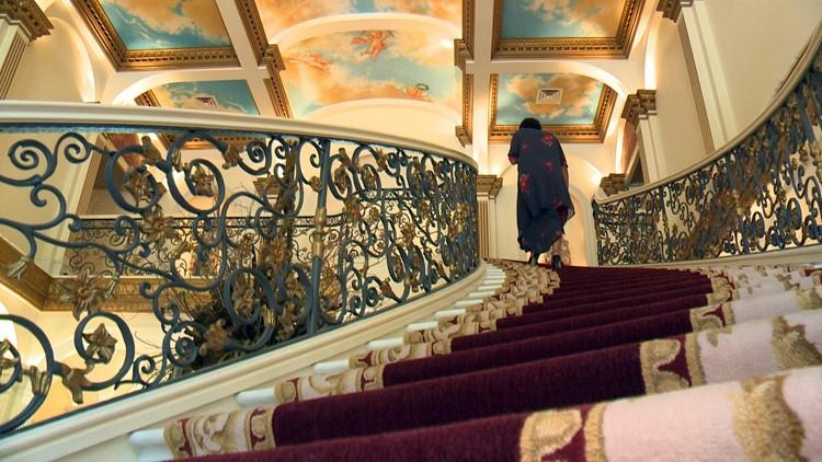 staircase villa collina