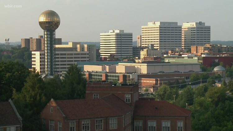 Líderes dicen que hay más industrias que quieren mudarse a Knoxville y más personas que se trasladan desde California