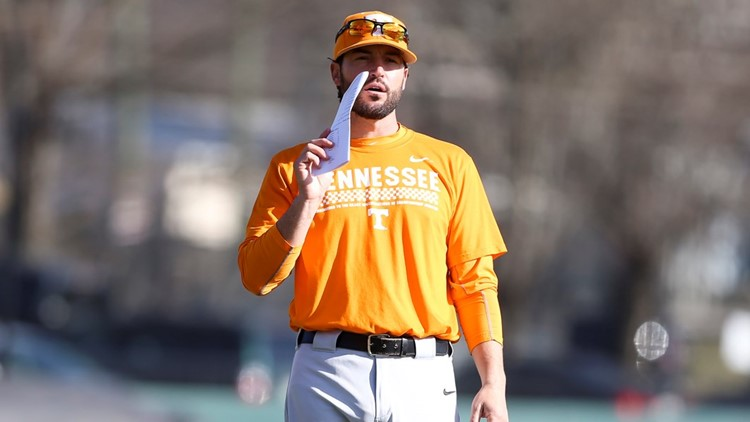 Tennessee gives baseball coach Vitello raise and extension