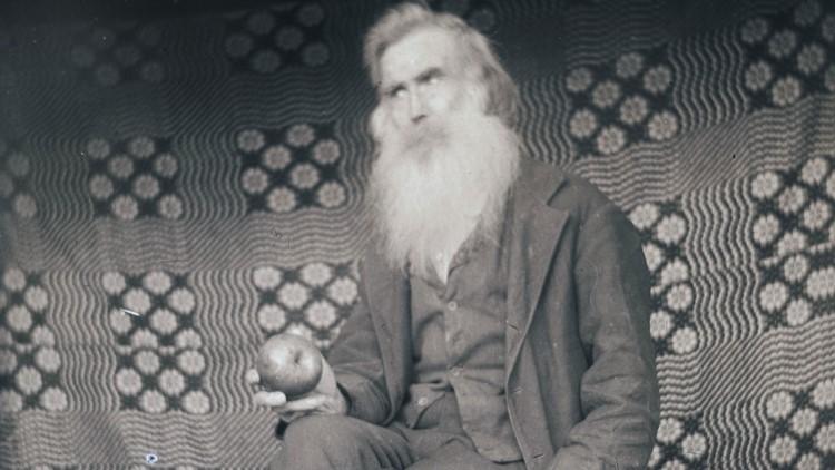John Walker Apple Father of Sisters 1918
