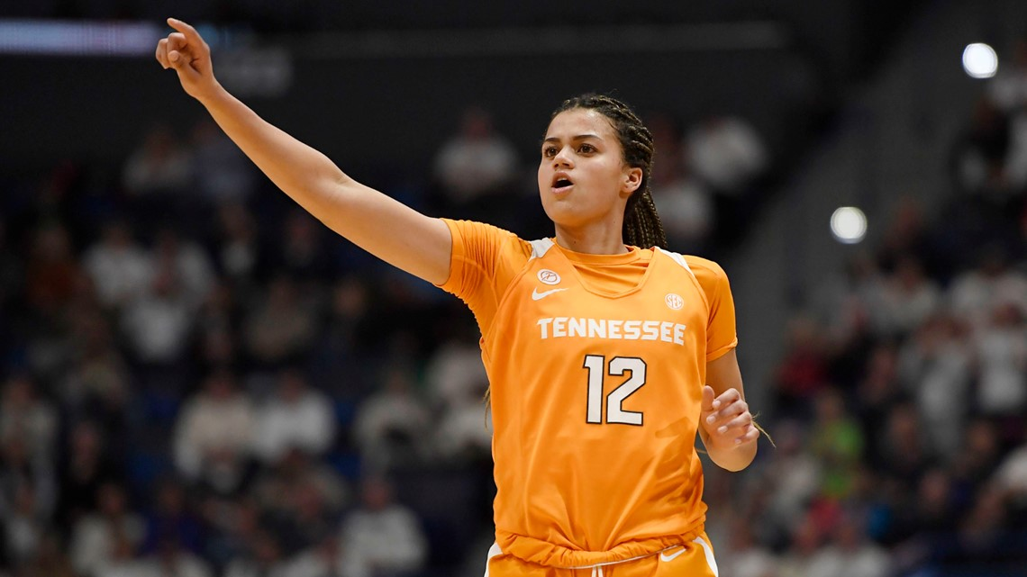 Lady Vols lose fifth straight game in 83-75 defeat in Fayetteville