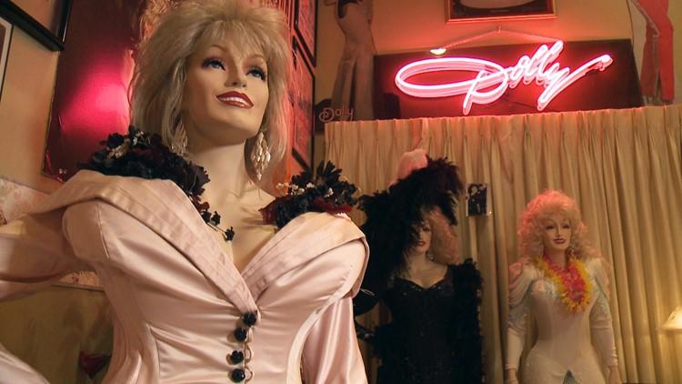 Parton Superfans - mannequin bust