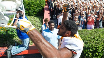 Vols wide receiver Jauan Jennings will return for senior season