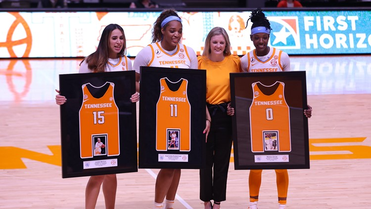 Lady Vol Basketball defeats Auburn 88-54 on senior day, closes out the regular season
