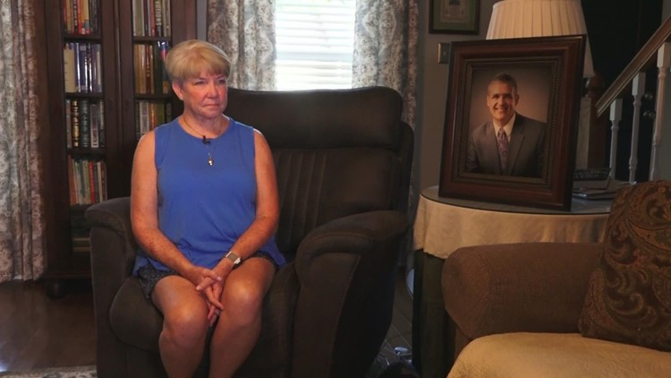 Family honors Knoxville Marathon streaker's memory