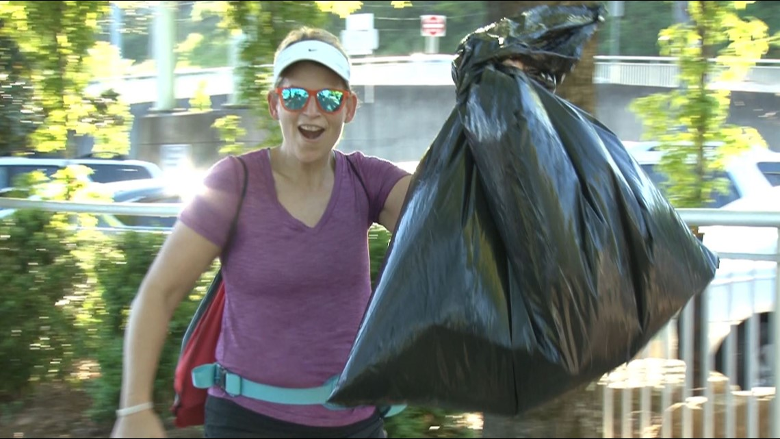 Joggers lend Mother Nature a hand by picking up litter on Earth Day runs