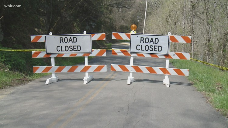 Rockslide closes part of Old Walland Highway in Blount County