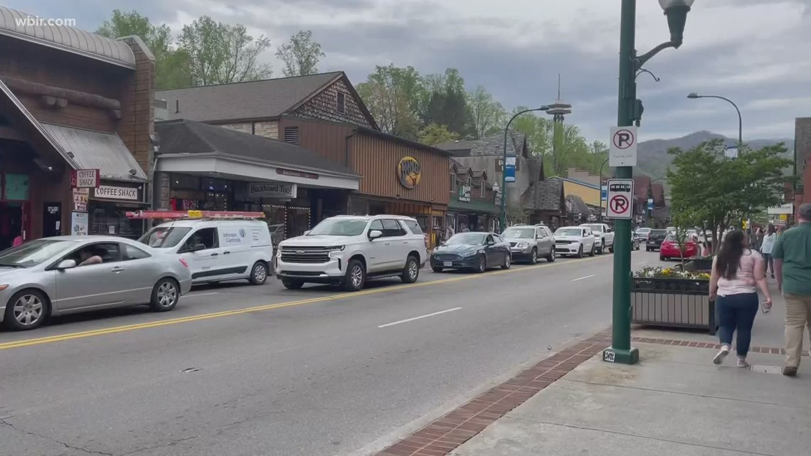 Sevier County businesses make new mask rules after mandate expired