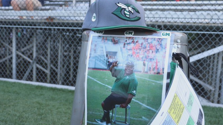 Carter honors late assistant coach