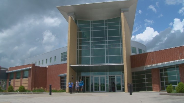 Oak Ridge High School exterior