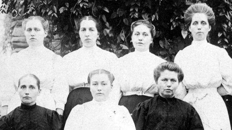 All Seven Walker Sisters 1918 Great Smoky Mountains GSMNP