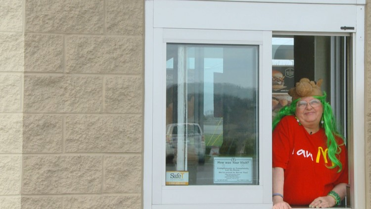 Knoxville McDonald's employee is a hit at the drive-thru