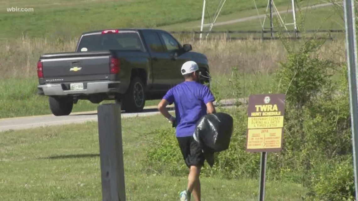 Joggers pick up litter on Earth Day runs