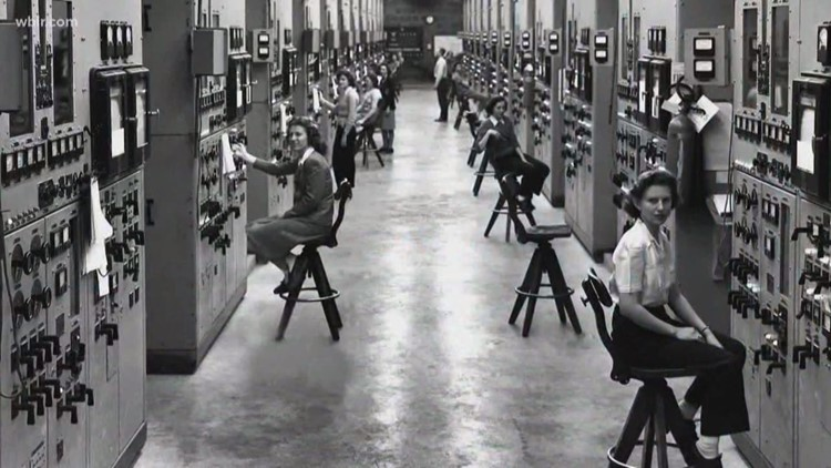 Service & Sacrifice: WWII Calutron Girls